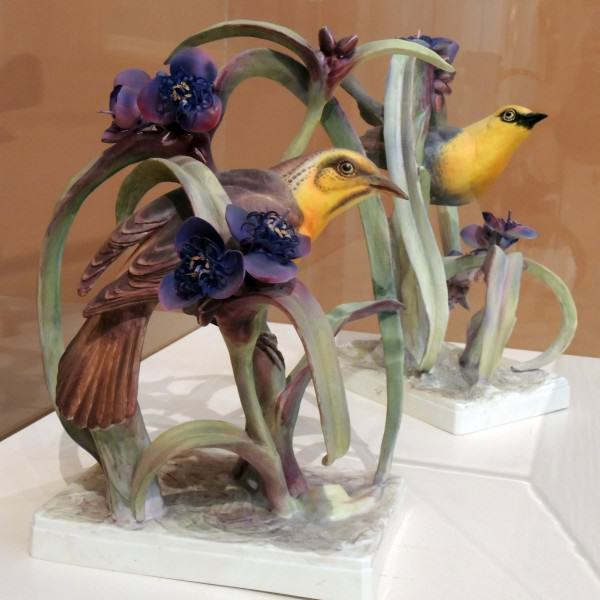 1982.036.001 | Dorothy Doughty | YELLOW HEADED BLACKBIRDS | hard paste porcelain | 1952 | gift of Mr. and Mrs. J. Robert Groff