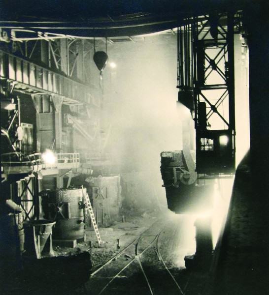 Margaret Bourke-White | LADLE B, OTIS STEEL MILL, CLEVELAND | 1928 | gelatin silver print | 11 x 9-7/8"