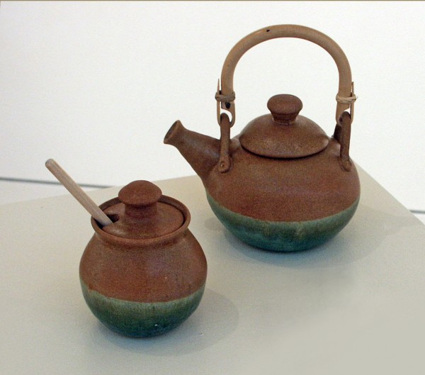 First Place: Professional | Bill Lilley | TEA HONEY? | clay